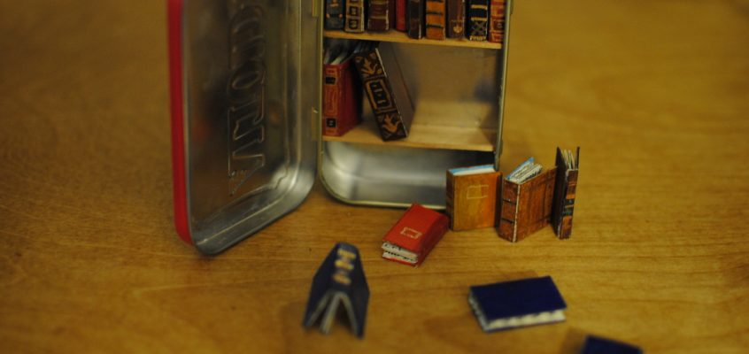 Tiny Bookshelf